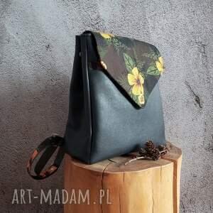 damski plecak, pojemny plecak do pracy, zamiast torebki