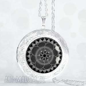 black mandala - piękny otwierany medalion - sekretnik, naszyjnik, długi, wisior