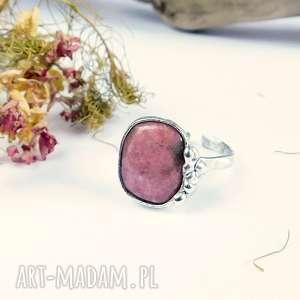 rodonit, różowy, cyna, miedźany, pierścionek, regulowany