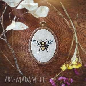 obrazek haftowany pszczółka, obrazek, len, haft, pszczoła, owad, zapętlonanitka