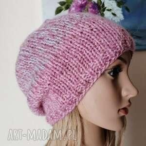 w ogrodzie - grubaśna czapka, rękodzieło, bezszwowa czapka na druta, gruba