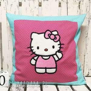 Poduszka z haftem 40x40cm Hello Kitty, hello-kitty, poduszka-dziecięca, kotek,