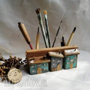 stojak na przybory no 1, dom domek, ołówki dlugopisy, biurko