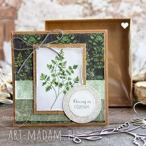 kartki naturalna kartka w pudełeczku z efektem szklanej szybki zielnik mrufru