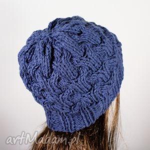 pomysł na upominek święta czapka warkocze jeans, czapka, warkoczos, zima, głowa