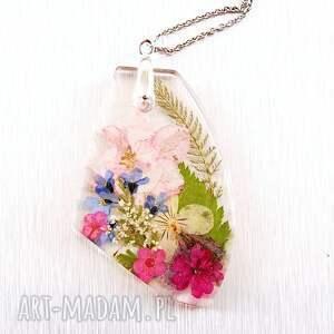 naszyjnik fantazyjny z kwiatami w żywicy, kwiatami, kwiaty suszone
