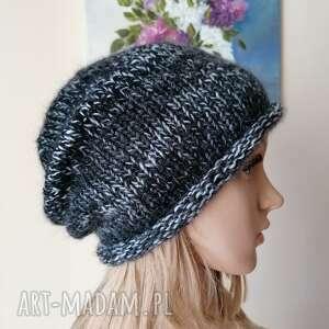 niby nic a jednak urokliwa czapka, rękodzieło, bezszwowa czapka na druta
