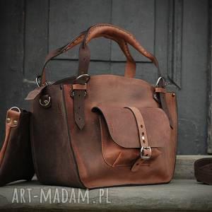 ręcznie robione na ramię torebka oryginalny kuferek z kopertówką i paskiem w kolorze brązowym
