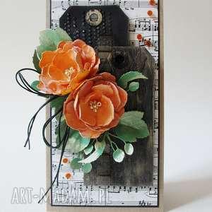hand made scrapbooking kartki z kwiatami - w pudełku