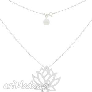 srebrny naszyjnik łańcuszek z dużym kwiatem lotosu sotho