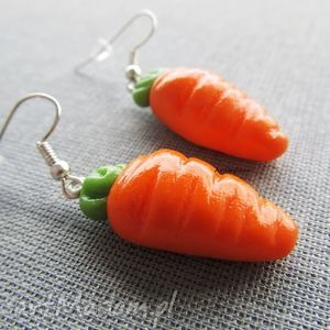 świąteczny prezent, kolczyki dwie marchewki, kolczyki, modelina, masa, fimo