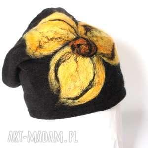 czapka handmade wełniana na podszewce, wełna, kwiaty, czapka, zima, etno, kolorowa