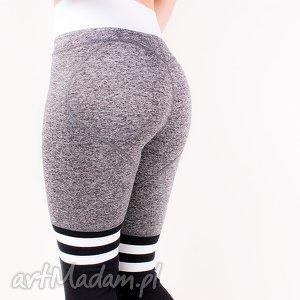 modne dopasowane sportowe legginsy z paskami idealne do biegania ćwiczeń na siłownie