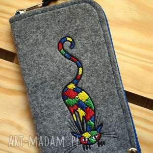 hand-made etui filcowe na telefon - łaciaty kot