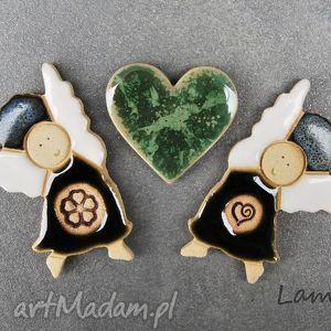 magnesy aniołki z serduszkiem, magnesy, ceramiczne, aniołki, komplet, zestaw dom