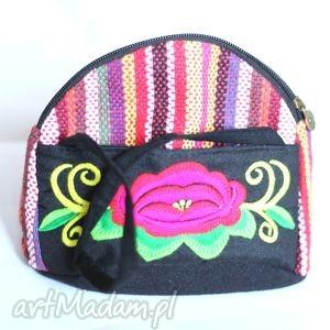 hmong, dymanicznie, kolorowo, etnicznie , kosmetyczka