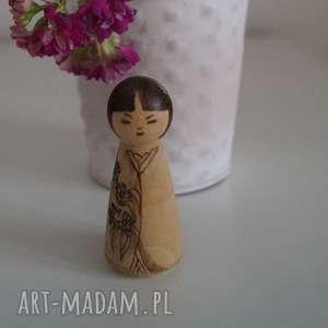 japoneczka 2 - ręcznie wypalana drewniana drewniana laleczka - nostalgia