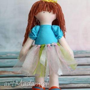 lalka dorotka, lalka, szmaciana, tutu, trampki, maskotka, przytulanka