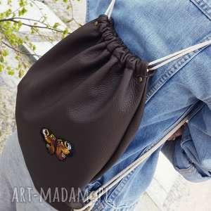 ręcznie wykonane skórzany worek plecak z motylem