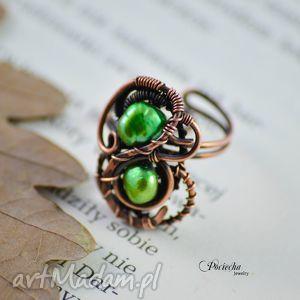 Elegant green - pierścionek z perłami rzecznymi, miedź, pierścionek, regulowany