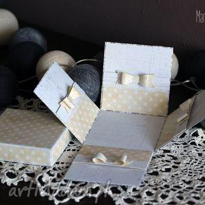 nietypowa słoneczna kartka-pudełko, kartka, pudełko, nietypowa, kokardki, prezent