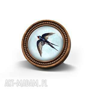 broszka drewniana liliarts - jaskółka naturalna, ptak, prezent