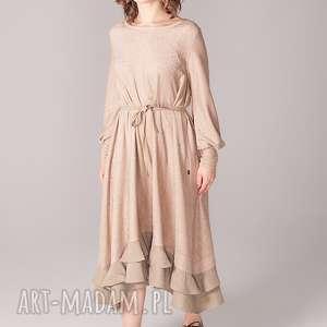 dzianinowa sukienka z plisami i podwójną falbaną, elegancja, plisowana, cielista