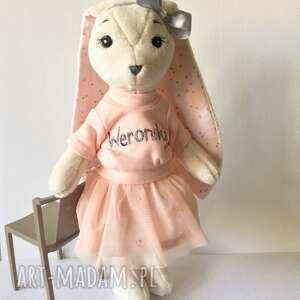 maskotki pani królikowa, królik maskotka, przytulanka, króliczek zabawka
