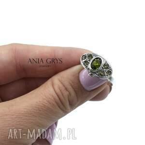 odcienie zieleni, chromodiopsyd, turmalin, srebrny, pierścionek, aniagrys