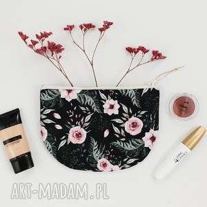 kosmetyczka półksiężyc - ,kosmetyczka,vintage,saszetka,piórnik,kwiaty,natura,