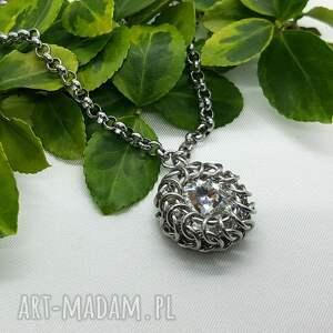 medalion chainmaille z kryształem swarovskiego, swarovski