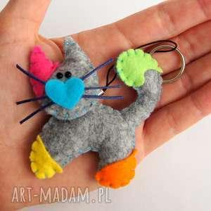kolorowy kotek - brelok z filcu, kot, serce, filc, dziecko, upominek, gadżet