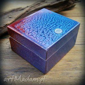 Ręcznie malowane drewniane pudełko Irysowe, pudełko, szkatułka, malowane, drewno