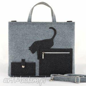 ręcznie zrobione na laptopa duża szara filcowa torebka- torba na laptopa z kotkiem