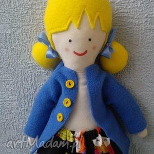 lala zuzia plus wymienne spódniczki, lala, lalka, laleczka, ubranka, prezent