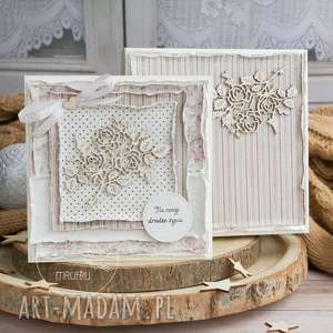 Prezent Wyjątkowa warstwowa kartka ślubna w pięknym ozdobnym pudełeczku