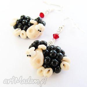 hand-made kolczyki owieczki z czerwonymi kryształkami kolczyki