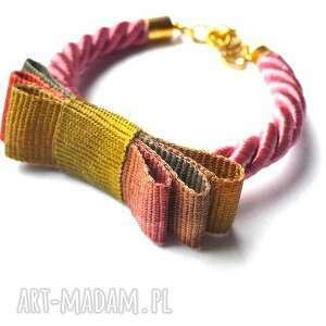 kokardka ombre na różowym sznurze, kokardka, kokarda, sznurek, ombre