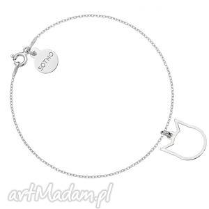 ręcznie zrobione srebrna bransoletka z delikatnym kotkiem