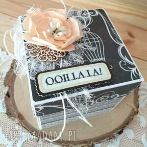 box urodzinowy, pudełko, box, exploding urodziny, osiemnastka, toaletka
