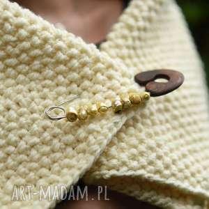 broszka agrafka z limonkowymi perłami, perły, folk, natura, prezent