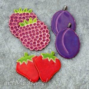 owocowe magnesy, ceramika, truskawki, maliny, śliwki, kuchnia dom