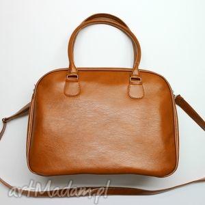 Kuferek weekend - orzechowy z połyskiem na ramię torebki
