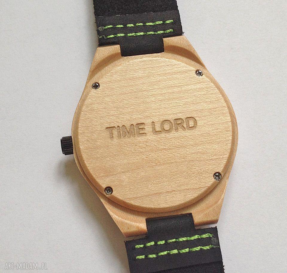 hand-made zegarki usługa grawerowania na odwrocie koperty zegarka