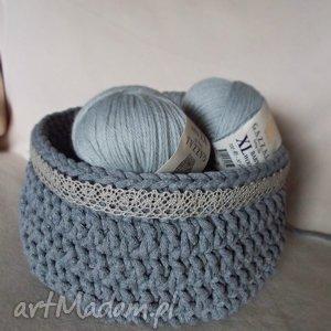 Ręcznie robiony Kosz ze sznurka bawełnianego - koronka, szary