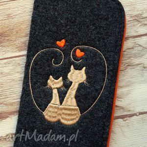 hand made etui filcowe etui na telefon - zakochane koty