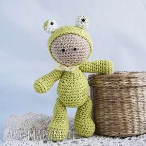 Przytulanka - w kapturku żabki - ,przytulanka,maskotka,zabawka,lalka,miś,żabka,