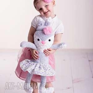 Prezent Przytulanka dziecięca królik w spódniczce, poduszka-dziecięca