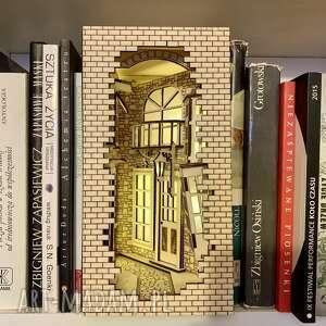 książkowa alejka-podświetlana dekoracja led, pomysłowa dekoracja, lampka nocna
