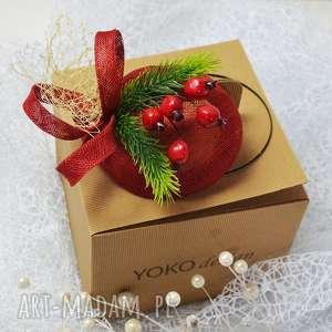 toczek świąteczny, fascynator, czerwień, święta, zieleń, świerk